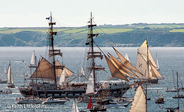 Falmouth-Tall-Ships-2014-Parade3